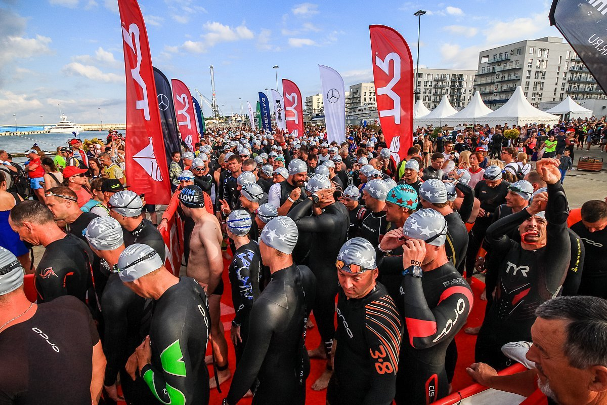 Two Thousand Athletes Participated in Triathlon Competition in Sochi